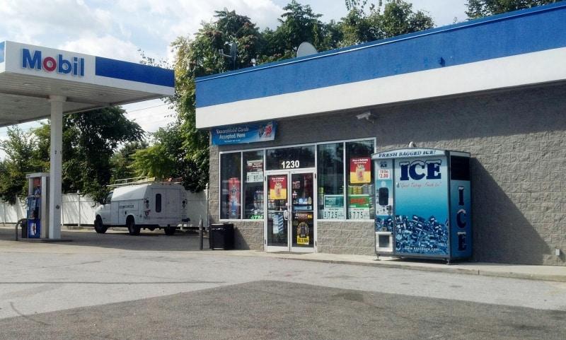 Im500 Ice Vending Machine Size Matters Kooler Ice